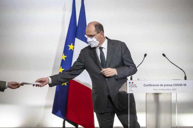 Le Premier ministre Jean Castex lors d'une conférence de presse sur la libération de l'internement au ministère de la Santé à Paris, le 10 décembre.