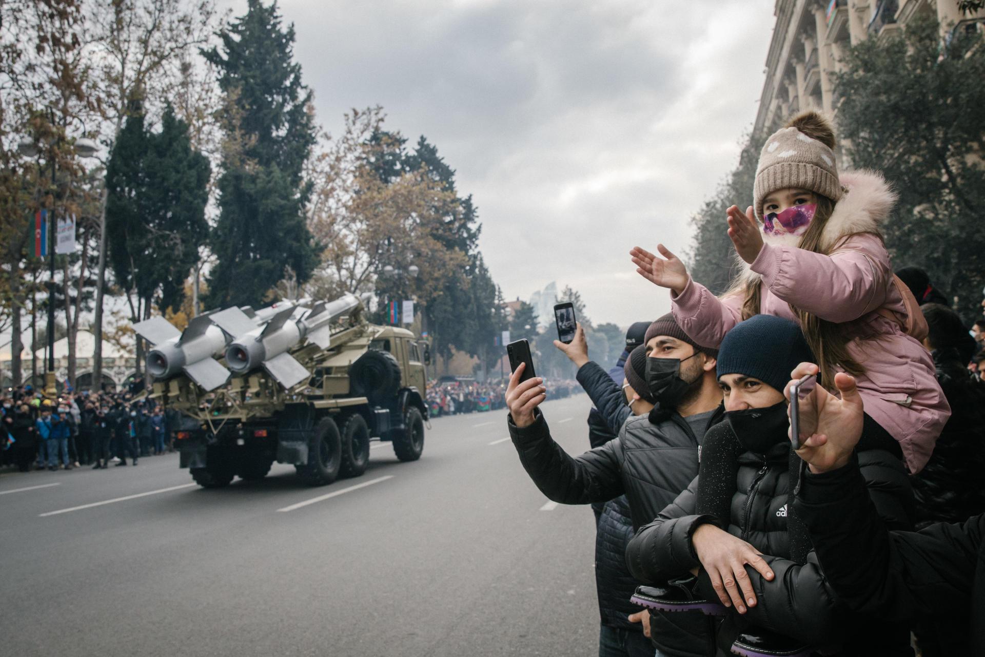 Défilé militaire à Bakou (Azerbaïdjan), le 10 décembre.