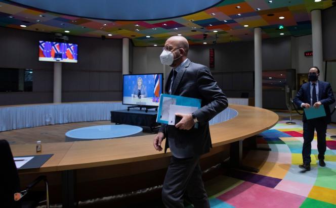Le président du Conseil européen, Charles Michel, arrive pour une visioconférence au siège de l'institution, à Bruxelles, le 13 novembre.