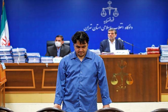 Rouhollah Zam lors de son procès à Téhéran (Iran), le 2 juin.