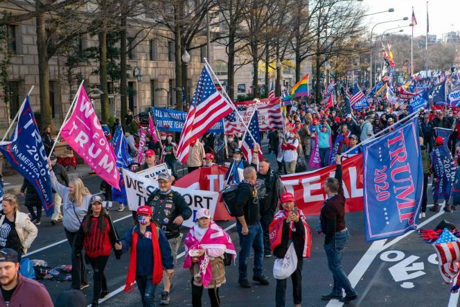 Les pro-Trump ont défilé sur Pennsylvania Avenue à Washington le samedi 12 décembre.