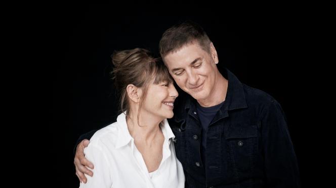 Jane Birkin et Etienne Daho, pendant le tournage du clip «Les Jeux interdits», en studio, à Paris, fin août.