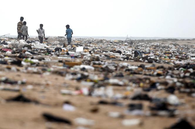 Sur une plage de Chennai, en Inde, le 18 novembre.