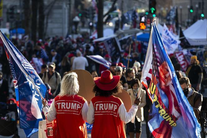 Les partisans du président sortant ont organisé une nouvelle démonstration de force à Freedom Square, à Washington, le samedi 12 décembre.