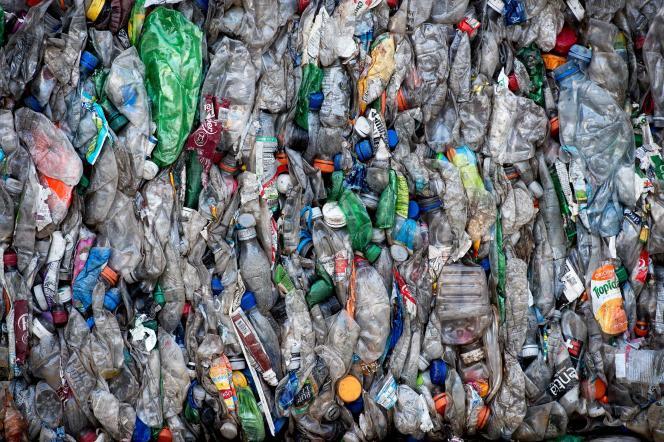 Des bouteilles en plastique destinées à être recyclées, dans une usine de la province de Gaziantep, en Turquie, le 28 novembre.