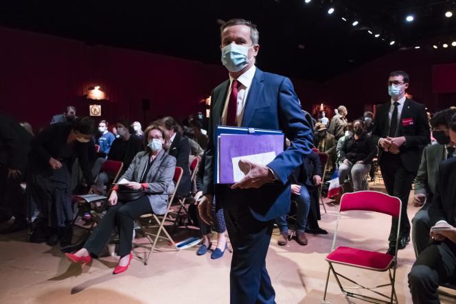Nicolas Dupont-Aignan, à un meeting de Debout la France à Paris, le 27 septembre.