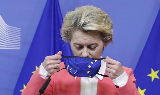 La présidente de la Commission européenne, Ursula von der Leyen, au siège de l'institution à Bruxelles, le 13 décembre.