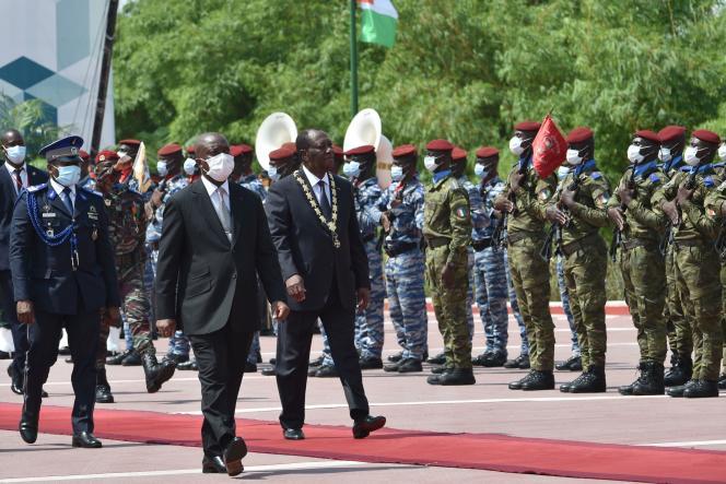 Le président ivoirien Alassane Ouattara lors de la cérémonie d'intronisaton au palais présidentiel d'Abidjan, le 14décembre 2020.