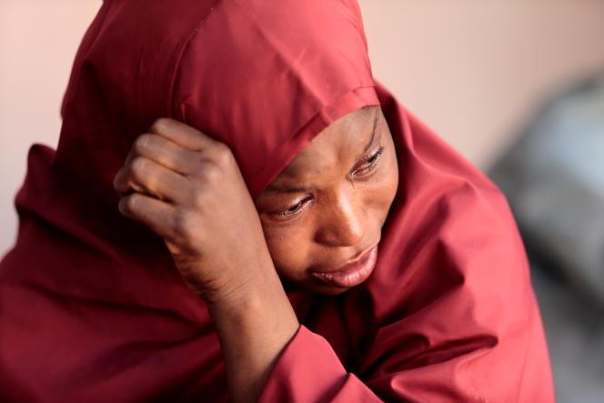 La mère d'un des élèves enlevés, à Kankara, le 14décembre2020.