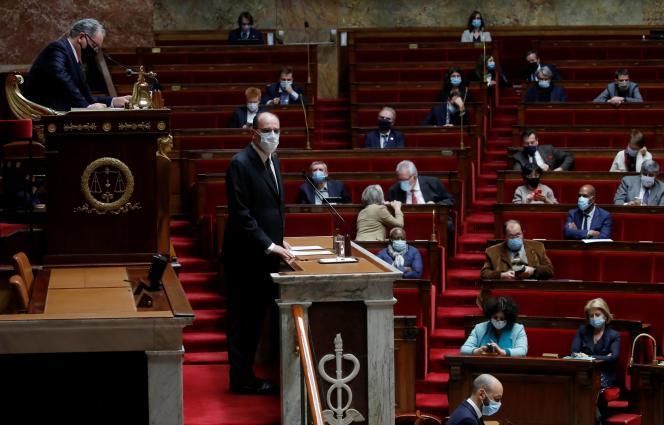 Le 16 décembre, le Premier ministre Jean Castex présente la stratégie de vaccination du gouvernement à l'Assemblée nationale.