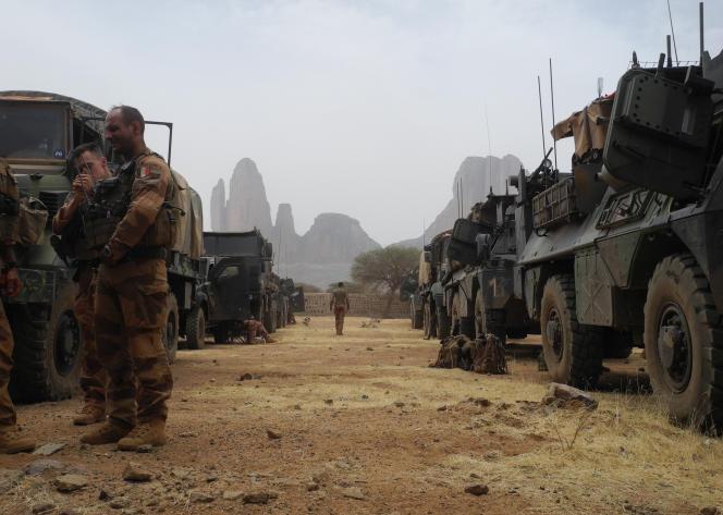 Des troupes de l'opération «Barkhane» à Hombori,dans le désert du Gourma au Mali, en mars 2019.