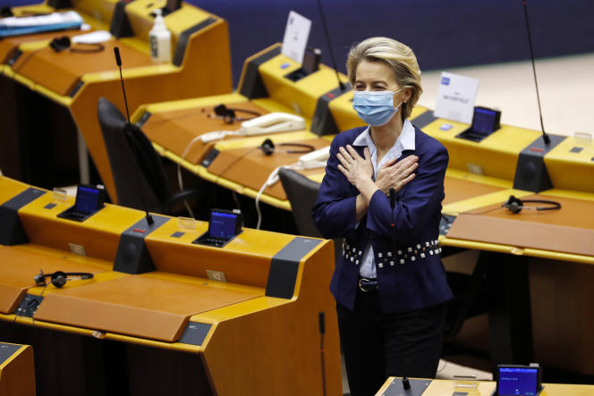 La présidente de la Commission européenne, Ursula von der Leyen, au Parlement européen, à Bruxelles, le 16décembre.