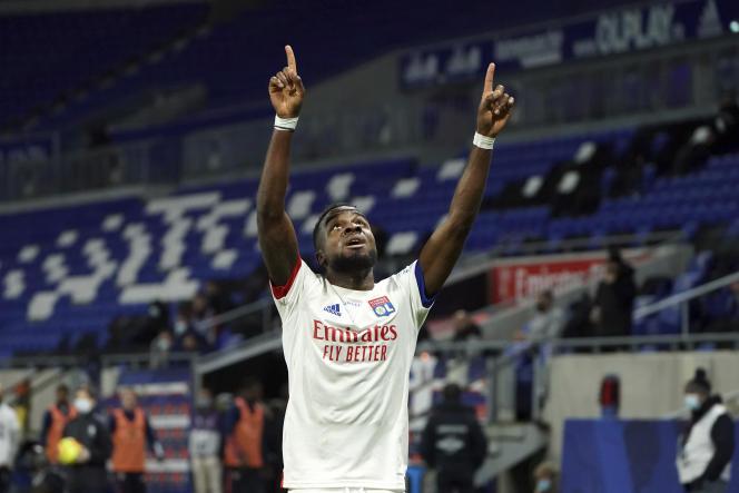 Célébration du Lyonnais Maxwel Cornet après son but contre Brest, mercredi soir, deux jours après le décès de l'ancien entraîneur de l'OL Gérard Houllier.