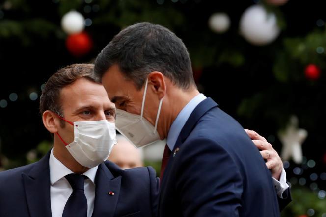 Emmanuel Macron, et le premier ministre espagnol, Pedro Sanchez, le 14 décembre à l'Elysée.