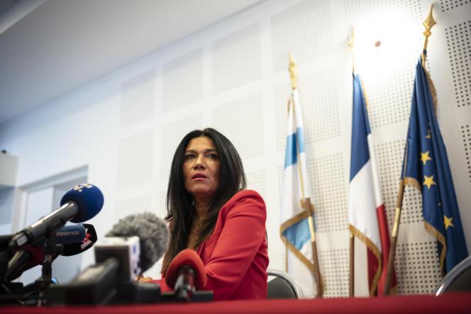 Samia Ghali, en conférence de presse à la mairie du 8e secteur de Marseille suite à la démission de Michèle Rubirola, le 17 décembre.
