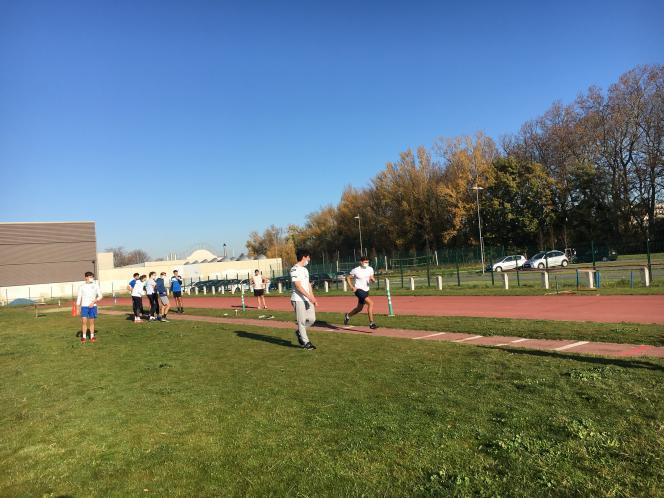 Des étudiants de première année de Staps ont pu s'entraîner sur la piste de leur université à Toulouse