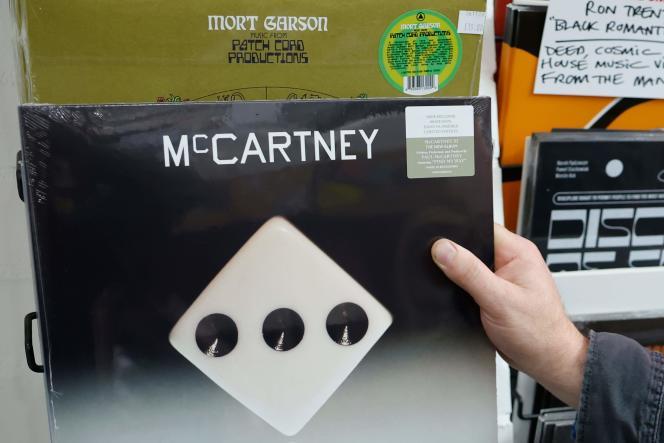 « McCartney III», le nouvel album de Paul McCartney, à Londres, le 18 décembre 2020, jour de sa sortie.