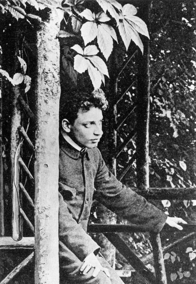 Le poète autrichien Rainer Maria Rilke, à Wolfratshausen, près de Munich, en 1897.
