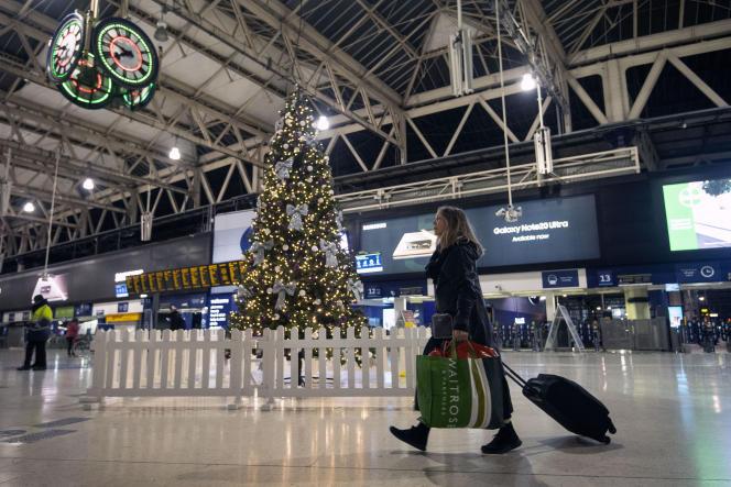 A la gare de Waterloo, à Londres, le 20 décembre.