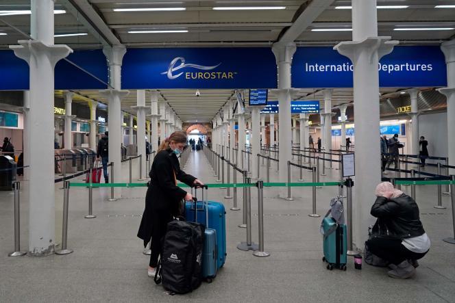 Quelques heures avant la fermeture des frontières avec l'Europe, derniers départs depuis la gare de Saint-Pancras, à Londres, le 20 décembre.
