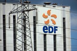 Devant la centrale EDF de Bouchain (Nord), le 7 juillet.