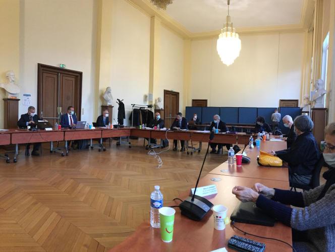 Le conseil consultatif des TAAF, le 18 décembre à Paris, avec le préfet Charles Giusti.