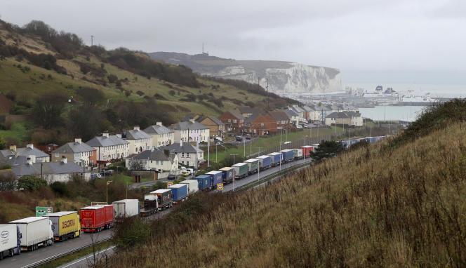Sur la route du port de Douvres, dans le comté du Kent, le 11 décembre.