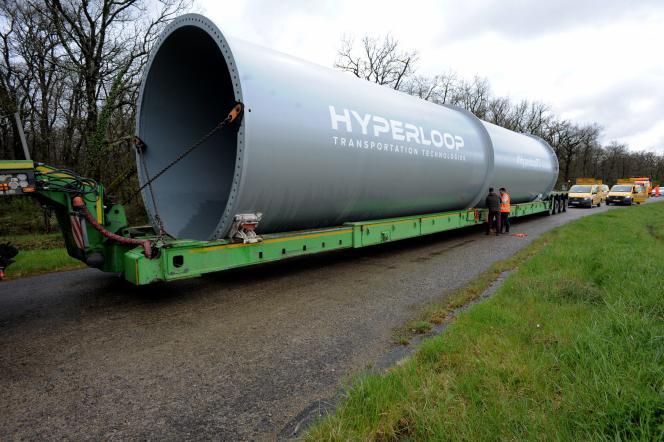 Tronçon du tunnel Hyperloop, sur le site de Francazal (Haute-Garonne), le 12 avril 2018.
