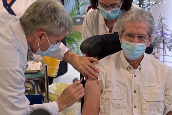 Vaccination dans un Ephad de Joué-lès-Tours (Indre-et-Loire), le 28 décembre.