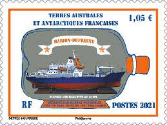 « Marion-Dufresne en bouteille», timbre créé par Marie Détrée-Hourrière pour les TAAF, en vente générale le 2 janvier 2021.
