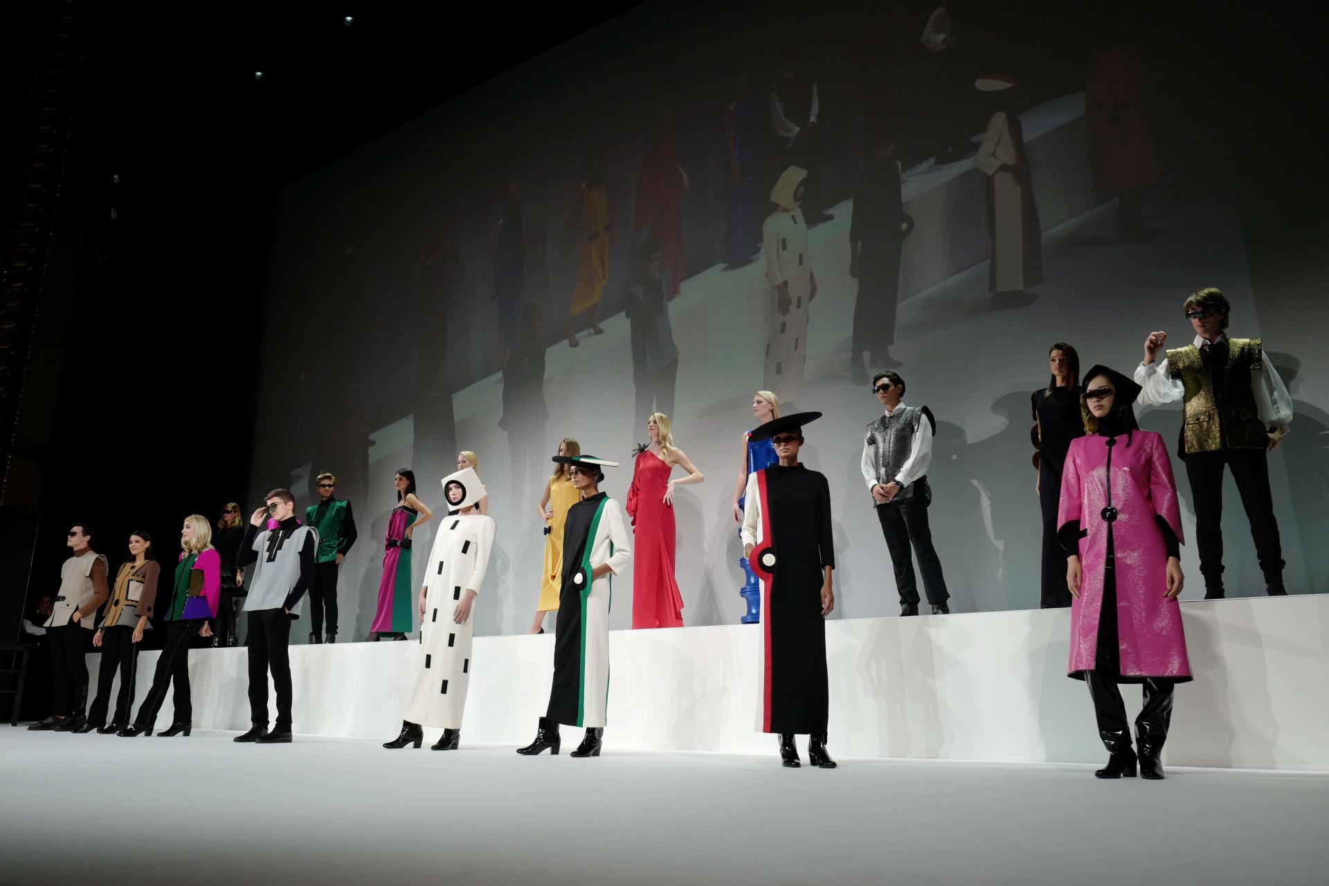 Défilé pour les 70 ans de carrière de Pierre Cardin, au théâtre du Châtelet, à Paris, le 21 septembre 2020.