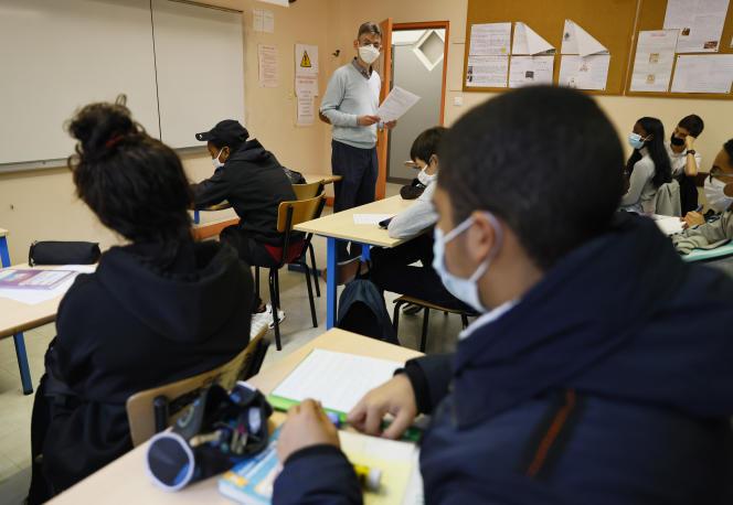 Les salaires des enseignants français sont inférieurs de 7% en début de carrière à la moyenne des pays de l'Organisation de coopération et de développement économiques (OCDE).