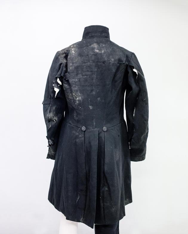 Le costume porté par le président Louis-Bernard Bonjean le jour de son exécution, le 24mai 1871, sur ordre de la Commune.