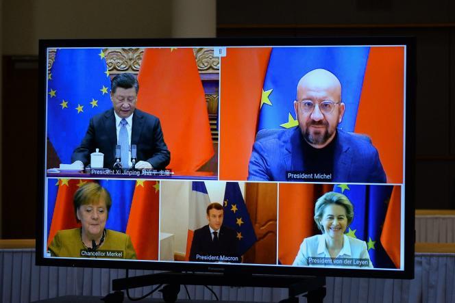 Xi Jinping, Charles Michel, Angela Merkel, Emmanuel Macron et Ursula von der Leyen, le 30décembre à Bruxelles.