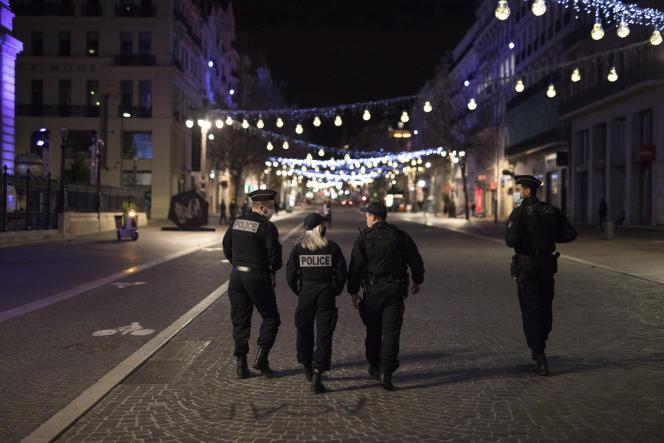 Une patrouille de police à Marseille, le 15 décembre 2020.