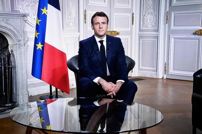 Le président Emmanuel Macron, à l'Elysée, le 31 décembre 2020.