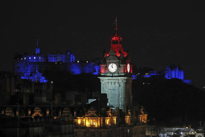L'horloge de l'hôtel Balmoral, à Edimbourg, à l'heure où le Royaume-Uni a officiellement quitté l'Union européenne, le 31 décembre 2020.