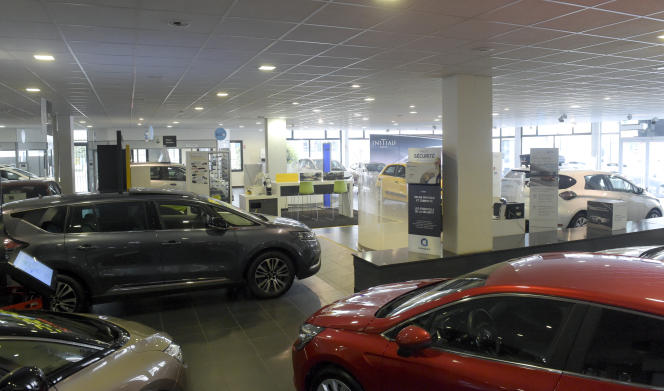 Dans une concession Renault-Dacia à Vitry-Sur-Seine (Val-de-Marne), le 23 novembre 2020.