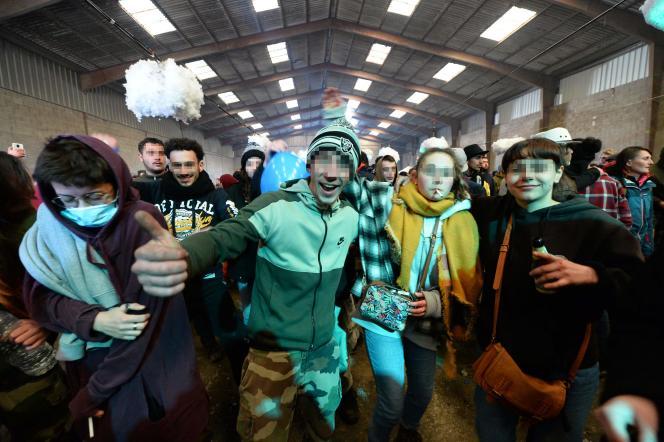La rave-party avait lieu dans un hangar industriel de Lieuron (Ille-et-Vilaine), le 1er janvier.