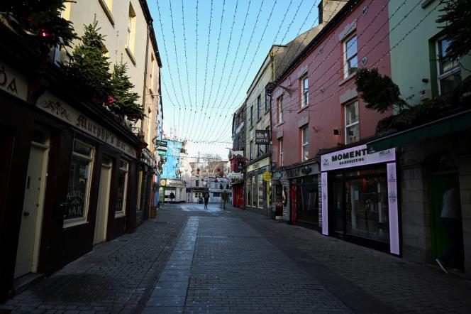 A Galway, le 1er janvier. A la suite des fêtes de fin d'année, laRépublique d'Irlande fait face à unerésurgence massive de l'épidémie de Covid-19.