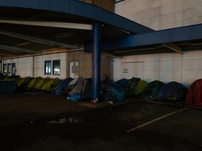 En démantelant les campements, les autorités souhaitent éviterpar tous les moyens les «points de fixation».
