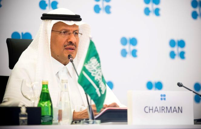 Le ministre de l'énergie saoudien, le prince Abdel Aziz Ben Salman, à Riyad, le 9 avril 2020.