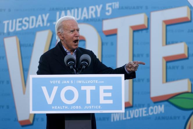 جو بایدن روز دوشنبه 4 ژانویه در آتلانتا ، جورجیا برای انتخابات سناتور روز بعد فعالیت کرد.