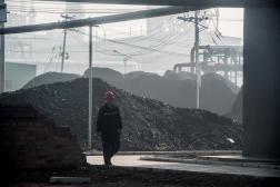 Dans une usine de transformation du charbon en pétrole, à Changzhi, dans la province du Shanxi, en Chine, le 9novembre2015.