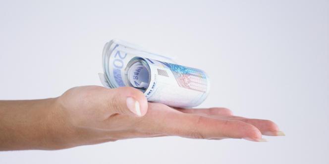 Emploi à domicile, frais de garde de jeunes enfants, dons aux associations, etc. : autant de dépenses concernées par l'avance de 60 % sur les crédits et réductions d'impôt.