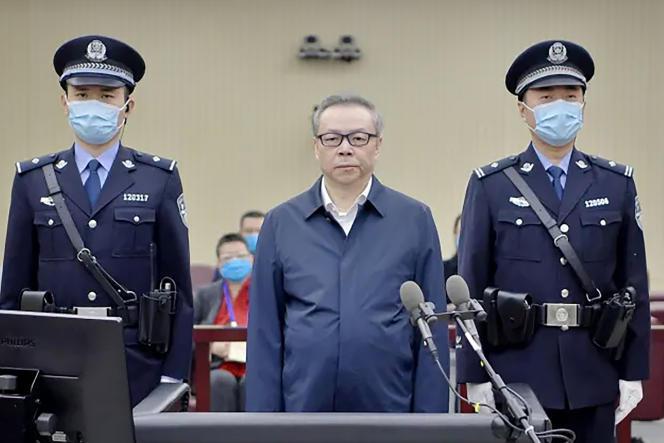 L'économiste Lai Xiaomin, patron de la société de gestion d'actifs Huarong, lors de son procès, le 11août 2020.