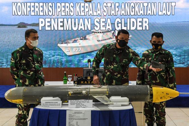 L'amiral indonésien Yudo Morgano lors de la conférence de presse qui a suivi la découverte d'un Sea Wing au large des îles Selayar. Le 4 janvier à Jakarta.