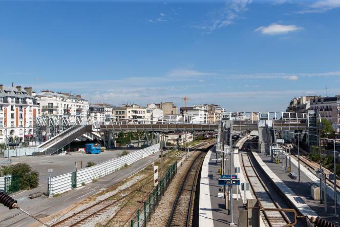 Gare de Bécon-les-Bruyères, 2017.