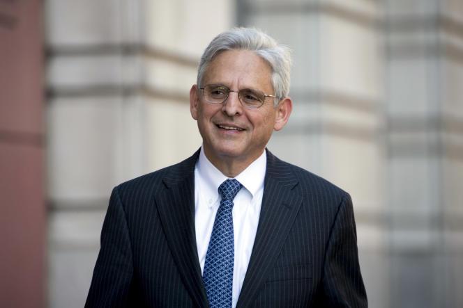 Merrick Garland entre devant le tribunal fédéral de district de Washington, 17 novembre 2017.