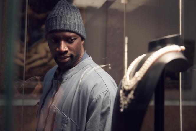 Omar Sy dans le rôle d'Assane Diop.